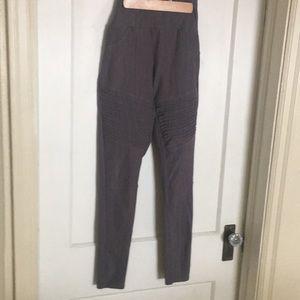 Agnes and Dora pants size M Gray